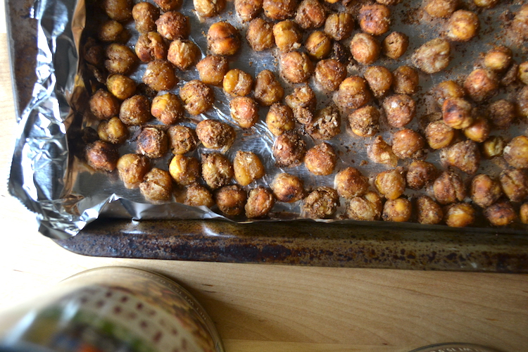 Crispy chickpeas are a salty but healthy snack. Full recipe on BigTasteTinySpace.com